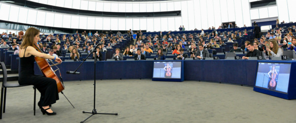 Artistic performance in the plenary at the European Parliament